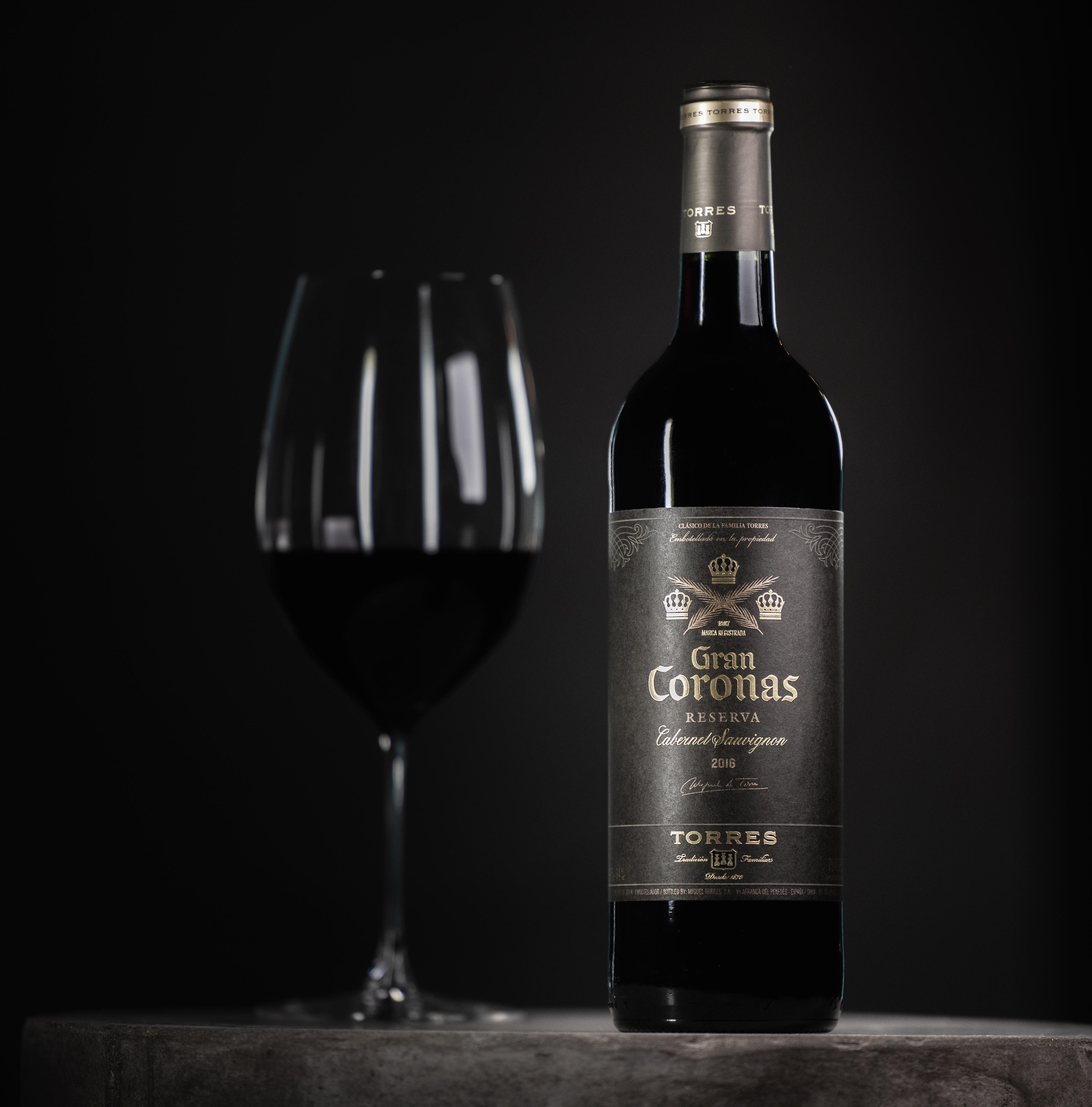 Gran Coronas Wine Tabel